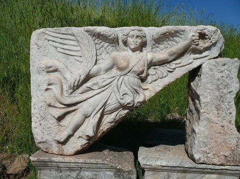 800px-Goddess_Nike_at_Ephesus,_Turkey