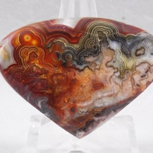 Yep, you guessed it, another Crazy Lace Agate, but look at it - bloooood red!
